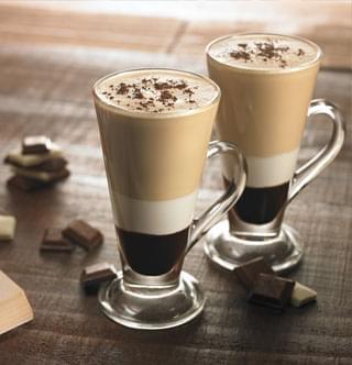 Vanilla Deluxe Soft Serve Ice Cream Mix 1 x 5 Litres 1